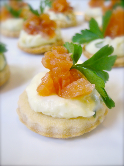 Smoked salmon canap s adventures in gastronomy for Smoked salmon canape